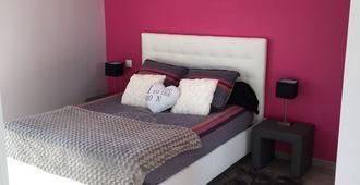 La chambre rose - Mâcon - Schlafzimmer