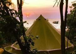 Robinson Bungalows - Koh Rong Sanloem - Outdoor view
