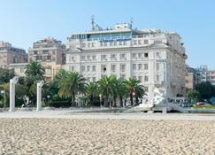 Hotel Esplanade - Pescara - Rakennus