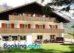 Pension Larchenhof - Naturno - Building
