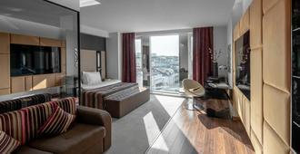 11 Mirrors Design Hotel - קייב - חדר שינה