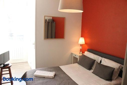 聖-米歇爾酒店 - 迪那德 - 迪納爾 - 臥室
