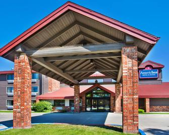 AmericInn by Wyndham Grand Forks - Grand Forks - Gebäude
