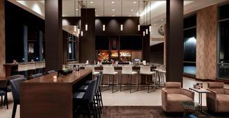 AC Hotel by Marriott Cincinnati at The Banks - Cincinnati - Bar