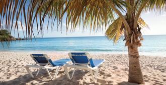 Bluebeard's Beach Club - Saint Thomas Island