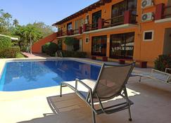 Hotel J.B. - Zihuatanejo - Pool