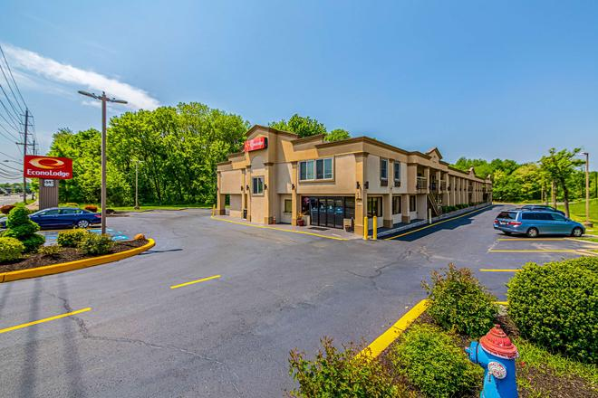 Econo Lodge - Mount Laurel - Building