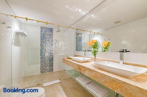Hotel El Dorado Bogota - Bogotá - Bathroom