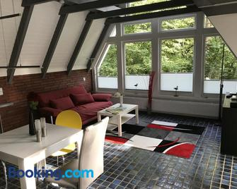 Ferienhaus Atelier am Südhang - Worpswede - Huiskamer