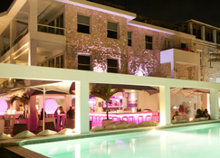 Saint Tropez Boutique Hotel - Willemstad - Building