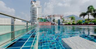 Aspery Hotel - Bãi biển Patong - Bể bơi