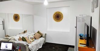 Hostel Canto Dos Pássaros - Santos - Living room