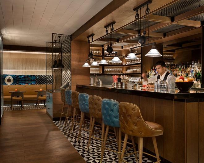 Shangri-La's - Eros Hotel, New Delhi - New Delhi - Bar