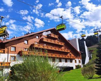 Hotel Meta Resort & Vine Spa - Щирк - Будівля