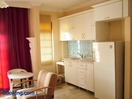 Gultepe Apartments - Kuşadası - Kitchen