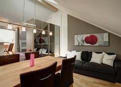 Paleo Finest Serviced Apartments - Munich - Dining room