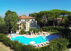 Relais & Residence Villa Mazzanta - Vada - Basen