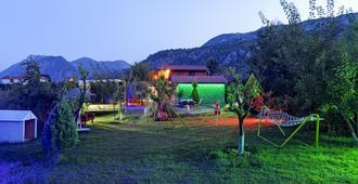 Flora Garden Pansiyon - Cirali - Vista del exterior