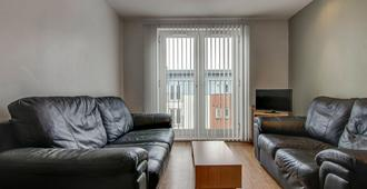 Bright & Modern 2-Bedroom Flat - Sleeps 4 - Manchester - Salon