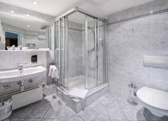 Art Hotel Aachen - Aachen - Bathroom