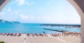 Sporting Baia Hotel - Giardini Naxos - Bãi biển