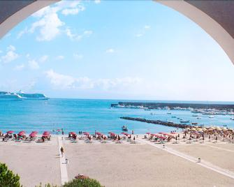 Sporting Baia Hotel - Giardini Naxos - Spiaggia