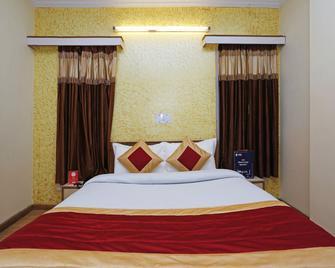 Oyo 4479 Hotel Rock Heaven - Mashobra - Bedroom