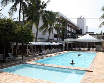 Ubatuba Palace Hotel - Ubatuba - Pool