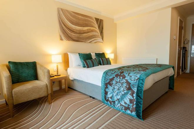 De Vere Cotswold Water Park - Cirencester - Bedroom