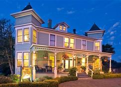 Centrella Inn - Pacific Grove - Building