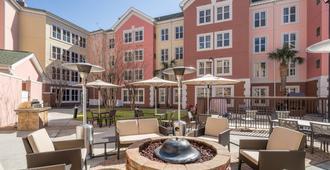 Residence Inn by Marriott Charleston Airport - נורת' צ'רלסטון - מרפסת