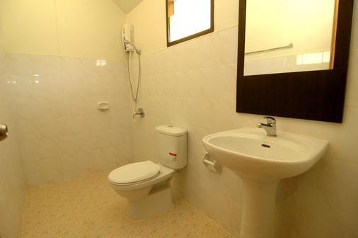 Lanta Pavilion Resort - Ko Lanta - Kylpyhuone
