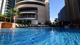 Majestic City Retreat Hotel - Dubaï - Piscine