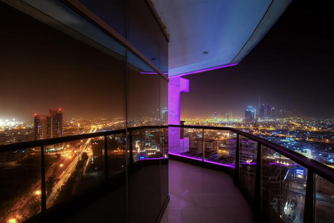 Majestic City Retreat Hotel - Dubai - Balkon