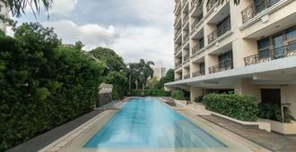 La Breza Hotel - Quezon City - Uima-allas