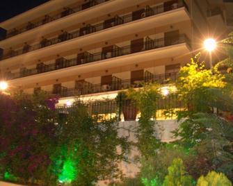 Hotel Merope - Karlovasi - Building