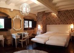 Hotel Casa del Marqués - Santillana del Mar - Bedroom