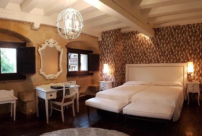 Hotel Casa del Marqués - Santillana del Mar - Phòng ngủ