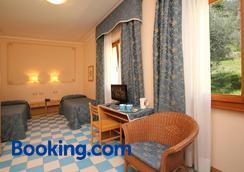 Hotel Locanda Ruscello Garnì - Limone sul Garda - Κρεβατοκάμαρα