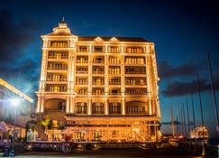 Labourdonnais Waterfront Hotel - Port Louis - Building