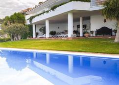 Chezmoihomes Villa El Horizonte - La Herradura - Zwembad