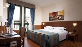 Hotel Raffaello - Milán - Habitación