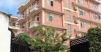 Alliance Hotel - Boudhanath Stupa - Kathmandu - Building
