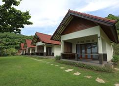 Artati Lombok Bungalows & Restaurant - Kuta - Gebäude