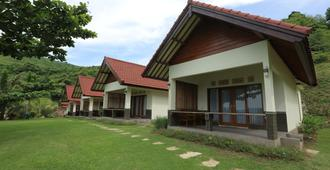 Artati Lombok Bungalows & Restaurant - Kuta