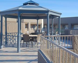 Best Western Yuma Mall Hotel & Suites - Yuma - Building
