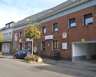 Pension 'zur Traube' - Bergheim - Building