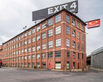 Econo Lodge - Manchester - Edificio