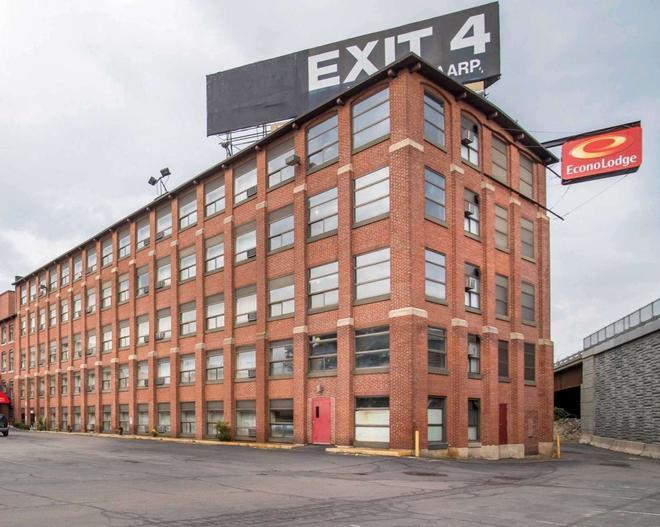Econo Lodge - Manchester - Rakennus