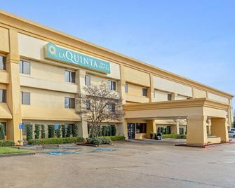 La Quinta Inn & Suites by Wyndham Baton Rouge Siegen Lane - Baton Rouge - Building